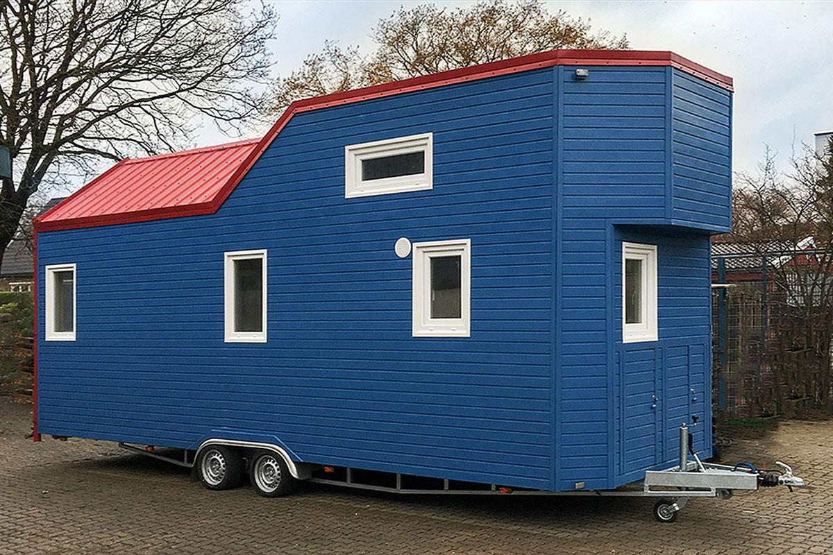 rolling tiny house deutschland 1200x800. Black Bedroom Furniture Sets. Home Design Ideas