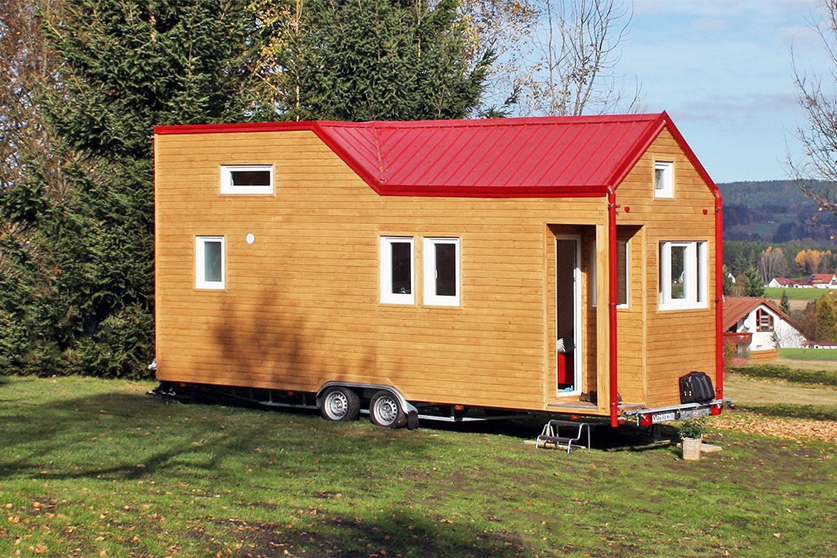 rolling tiny house. Black Bedroom Furniture Sets. Home Design Ideas